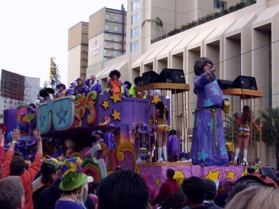 パレードの山車1